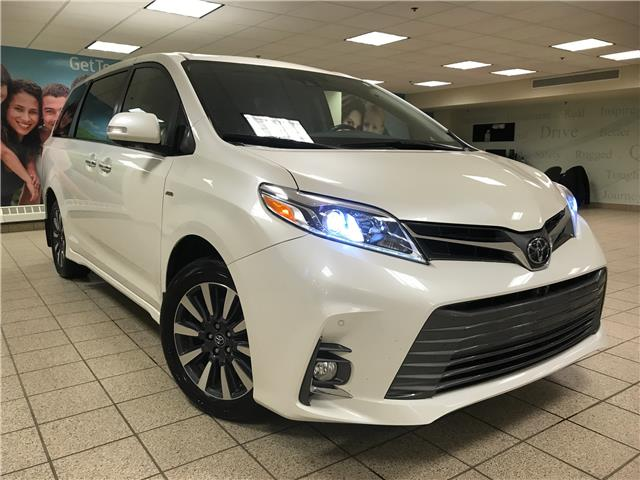 2018 Toyota Sienna  (Stk: 210708A) in Calgary - Image 1 of 11