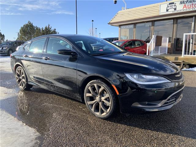 2017 Chrysler 200 S (Stk: B2297A) in Lethbridge - Image 1 of 26