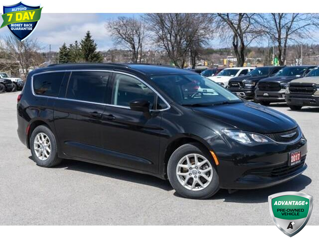 2017 Chrysler Pacifica Touring (Stk: 27115UX) in Barrie - Image 1 of 30
