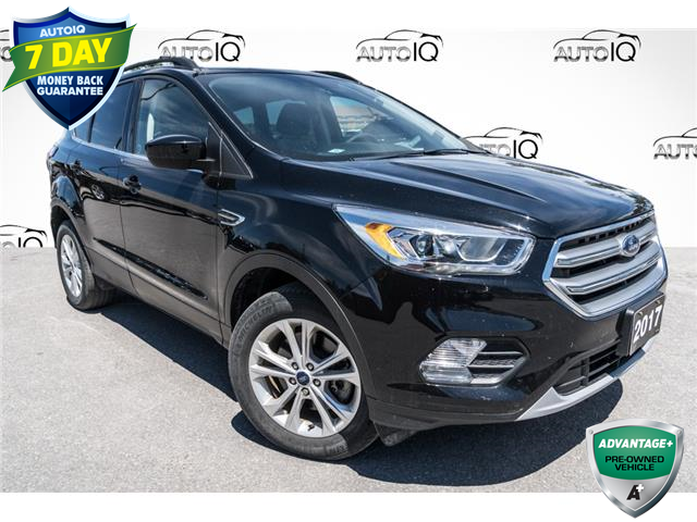 2017 Ford Escape SE (Stk: 35112AU) in Barrie - Image 1 of 27