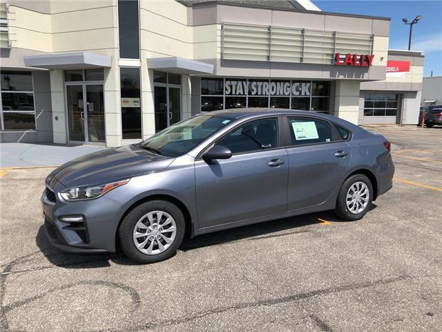 2020 Kia Forte LX (Stk: KFO2125) in Chatham - Image 1 of 15