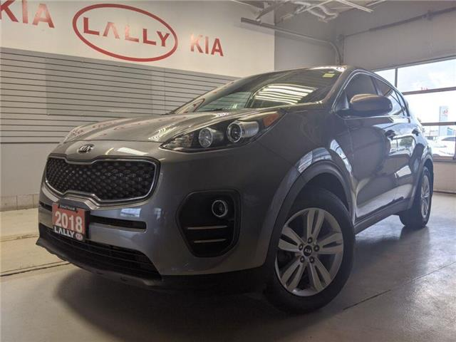 2018 Kia Sportage LX (Stk: KSOR2175A) in Chatham - Image 1 of 22