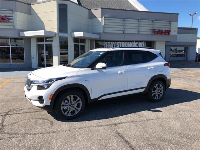 2021 Kia Seltos EX (Stk: KSEL2214) in Chatham - Image 1 of 15