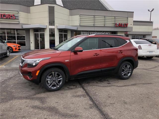 2021 Kia Seltos EX (Stk: KSEL2325) in Chatham - Image 1 of 15