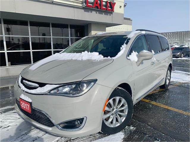 2017 Chrysler Pacifica Touring-L (Stk: KSE1909A) in Chatham - Image 1 of 26