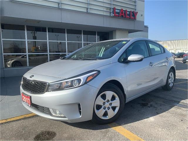 2017 Kia Forte LX+ (Stk: KSEL2417A) in Chatham - Image 1 of 26