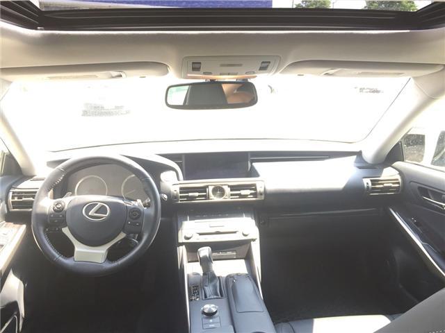 2016 Lexus IS 300 Base (Stk: IS300) in Brampton - Image 5 of 6