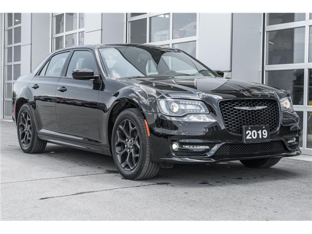 2019 Chrysler 300 S (Stk: 10697UR) in Innisfil - Image 1 of 30