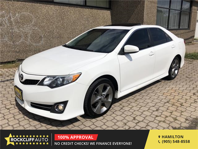 2014 Toyota Camry SE (Stk: T772213) in Hamilton - Image 1 of 19