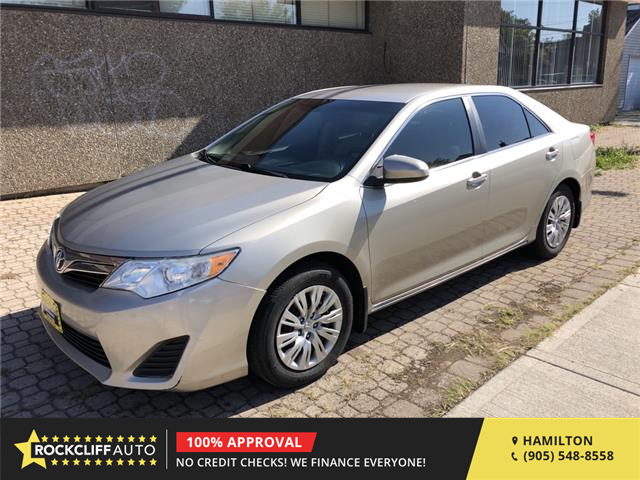2014 Toyota Camry LE (Stk: -) in Hamilton - Image 1 of 16