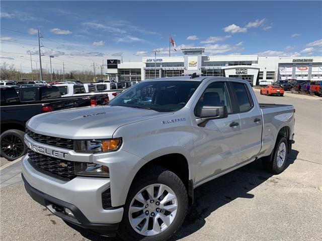 2020 Chevrolet Silverado 1500 Silverado Custom (Stk: LZ265908) in Calgary - Image 1 of 22