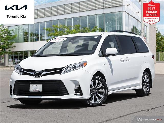 2018 Toyota Sienna LE 7 Passenger (Stk: K32393A) in Toronto - Image 1 of 30