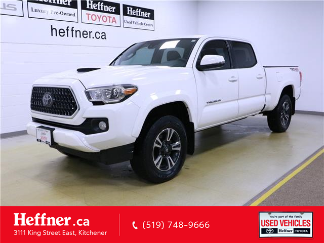 2018 Toyota Tacoma SR5 (Stk: 196218) in Kitchener - Image 1 of 32