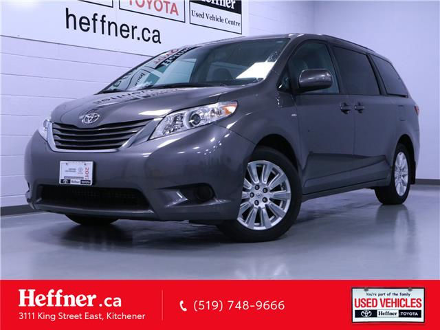 2017 Toyota Sienna LE 7 Passenger (Stk: 205722) in Kitchener - Image 1 of 25