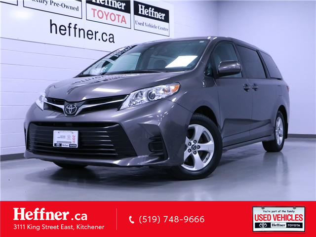 2019 Toyota Sienna LE 8-Passenger (Stk: 205810) in Kitchener - Image 1 of 24