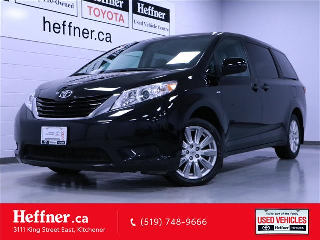 2017 Toyota Sienna LE 7 Passenger (Stk: 206252) in Kitchener - Image 1 of 25