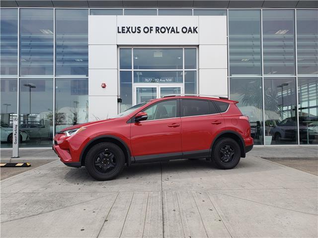 2017 Toyota RAV4 LE (Stk: LU0325) in Calgary - Image 1 of 25