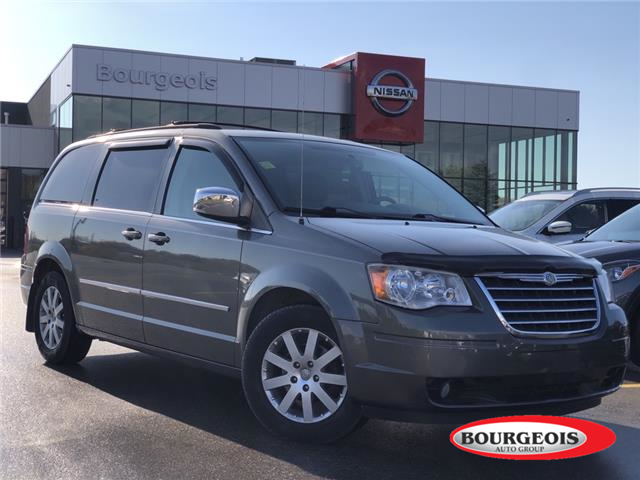 2010 Chrysler Town & Country Touring (Stk: 20RG132AA) in Midland - Image 1 of 14