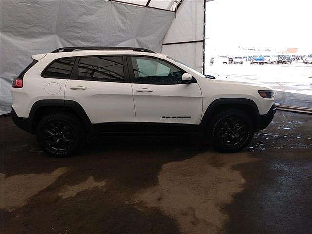 2020 Jeep Cherokee Sport (Stk: 201347) in Thunder Bay - Image 1 of 3