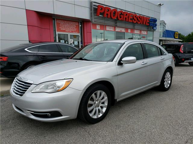 2012 Chrysler 200 Touring (Stk: CN101432) in Sarnia - Image 1 of 19