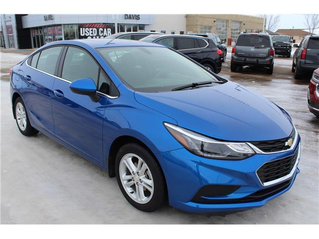 2018 Chevrolet Cruze LT Auto (Stk: 168135) in Medicine Hat - Image 1 of 24