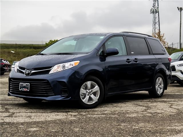 2020 Toyota Sienna LE 8-Passenger (Stk: 04068) in Waterloo - Image 1 of 17