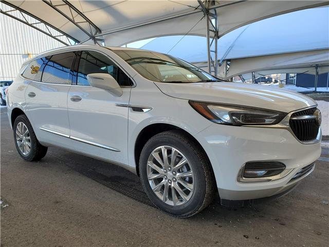 2020 Buick Enclave Essence (Stk: 184952) in AIRDRIE - Image 1 of 33
