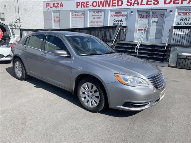 2013 Chrysler 200 LX (Stk: T9192) in Hamilton - Image 1 of 1