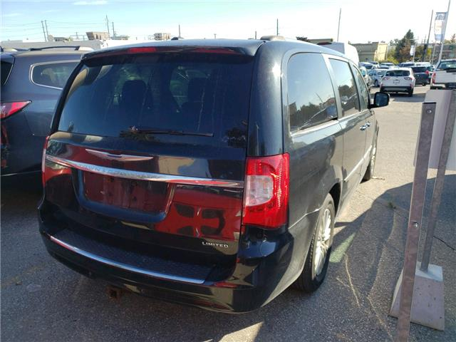 2014 Chrysler Town & Country Limited (Stk: U0812AZ) in Barrie - Image 1 of 4