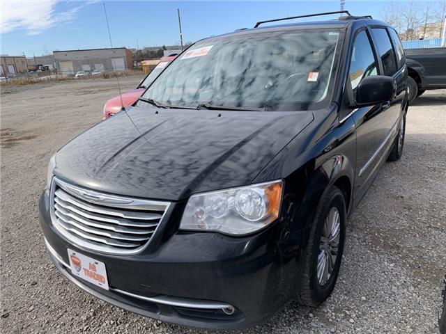 2015 Chrysler Town & Country Touring-L (Stk: 6684AXZ) in Barrie - Image 1 of 11