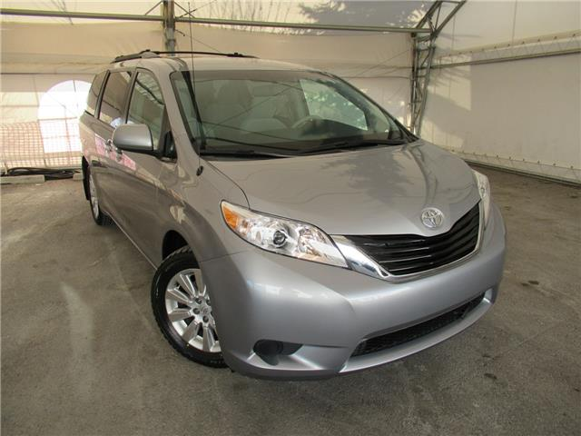 2011 Toyota Sienna LE 7 Passenger (Stk: ST2100) in Calgary - Image 1 of 26
