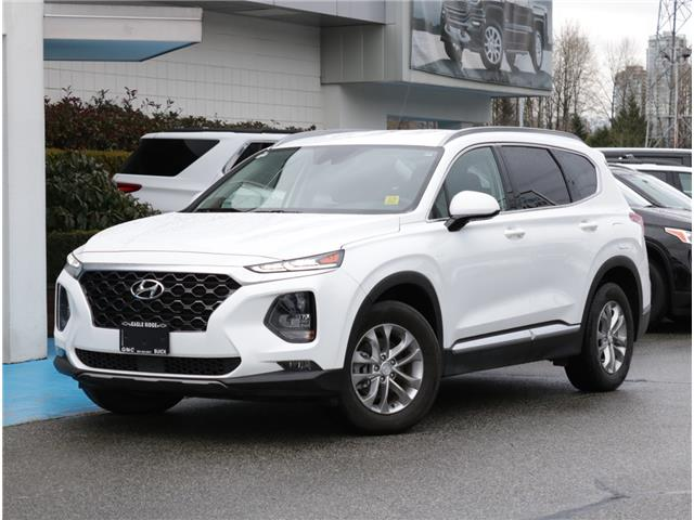 2020 Hyundai Santa Fe Essential 2.4  w/Safety Package (Stk: 200481) in Coquitlam - Image 1 of 16