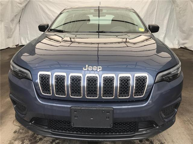 2020 Jeep Cherokee Sport (Stk: 201134) in Thunder Bay - Image 1 of 12