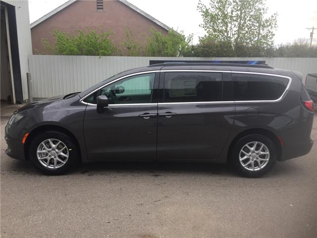 2017 Chrysler Pacifica LX (Stk: 10640) in Fort Macleod - Image 2 of 20