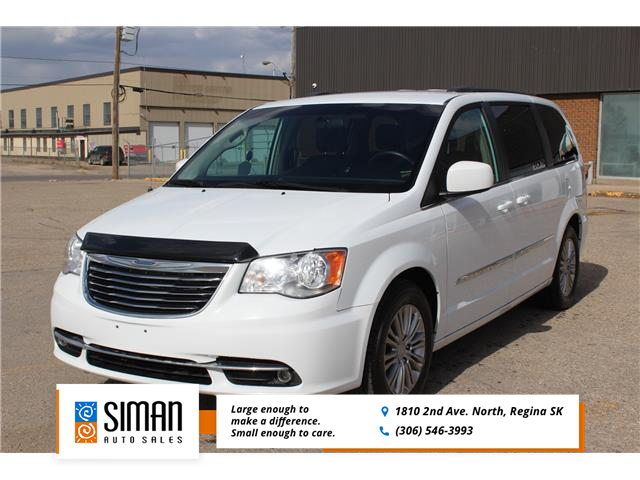 2016 Chrysler Town & Country Touring-L (Stk: P2027) in Regina - Image 1 of 23
