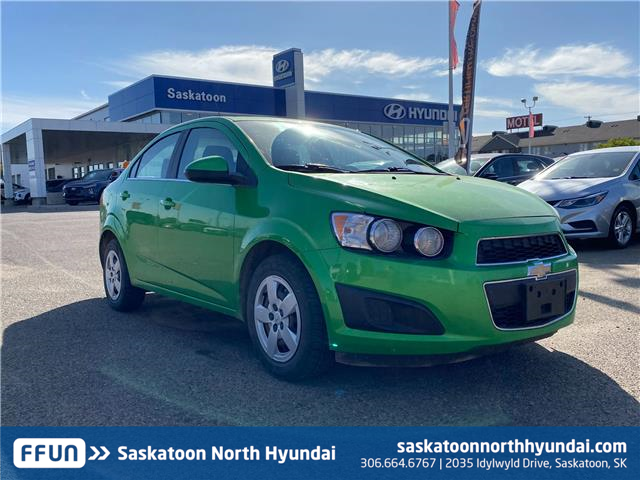 2015 Chevrolet Sonic LT Auto (Stk: W40129A) in Saskatoon - Image 1 of 14