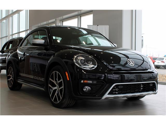 2019 Volkswagen Beetle 2.0 TSI Dune (Stk: V7598) in Saskatoon - Image 1 of 17