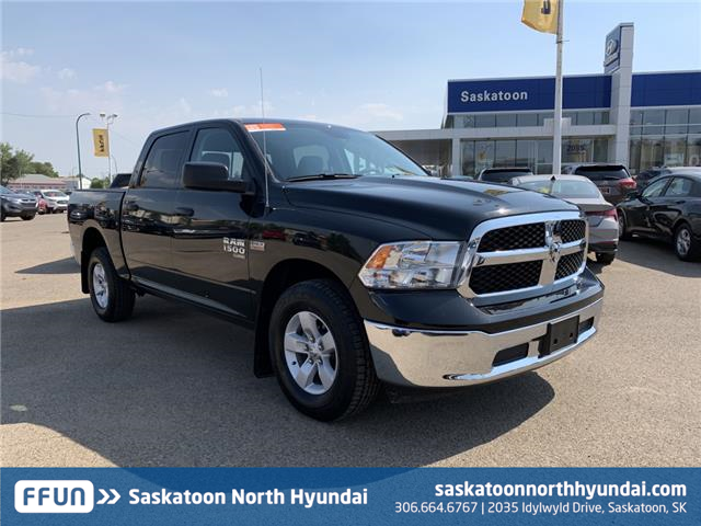 2019 RAM 1500 Classic SLT (Stk: B7996) in Saskatoon - Image 1 of 17