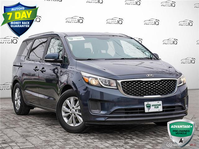 2017 Kia Sedona LX (Stk: W0256BJ) in Barrie - Image 1 of 26