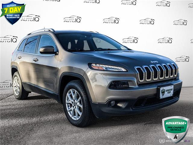 2017 Jeep Cherokee North (Stk: W0323BX) in Barrie - Image 1 of 25