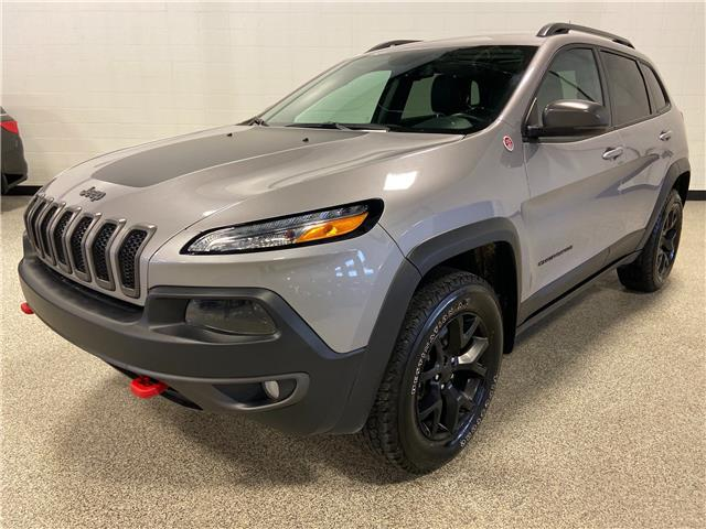 2018 Jeep Cherokee Trailhawk (Stk: P12544) in Calgary - Image 1 of 22