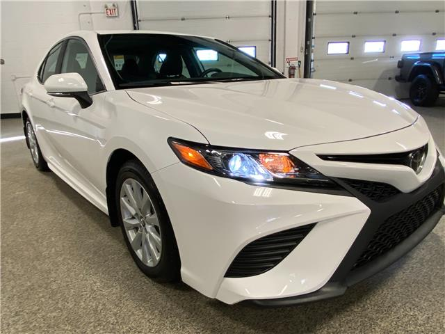 2019 Toyota Camry SE (Stk: P12521) in Calgary - Image 1 of 18