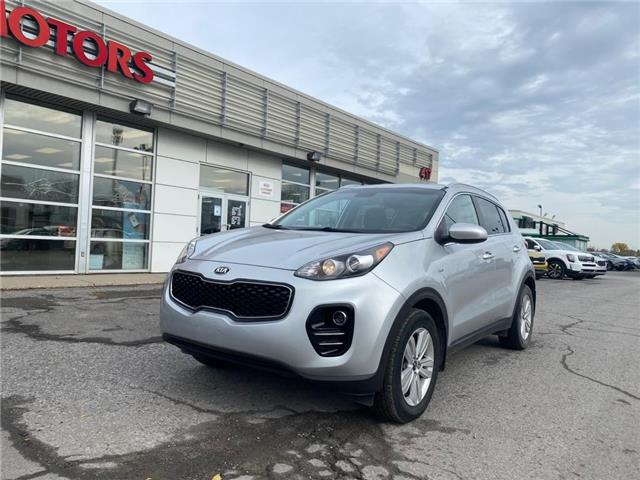 2017 Kia Sportage LX (Stk: 4961A) in Gloucester - Image 1 of 13