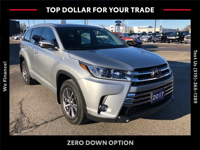 2017 Toyota Highlander XLE (Stk: CP10223) in Chatham - Image 1 of 13