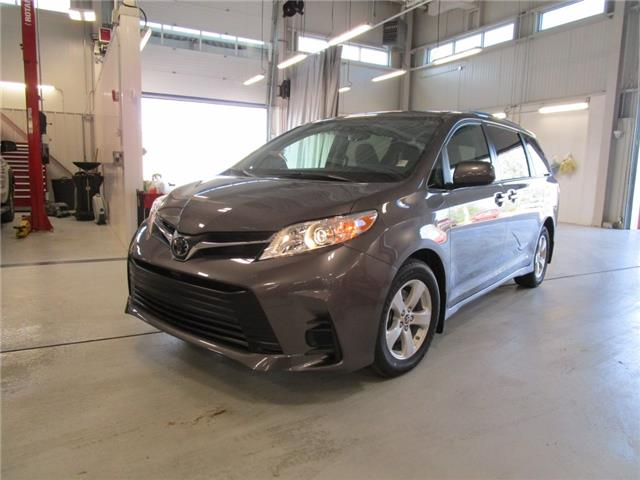 2020 Toyota Sienna LE 8-Passenger (Stk: 209186) in Moose Jaw - Image 1 of 37