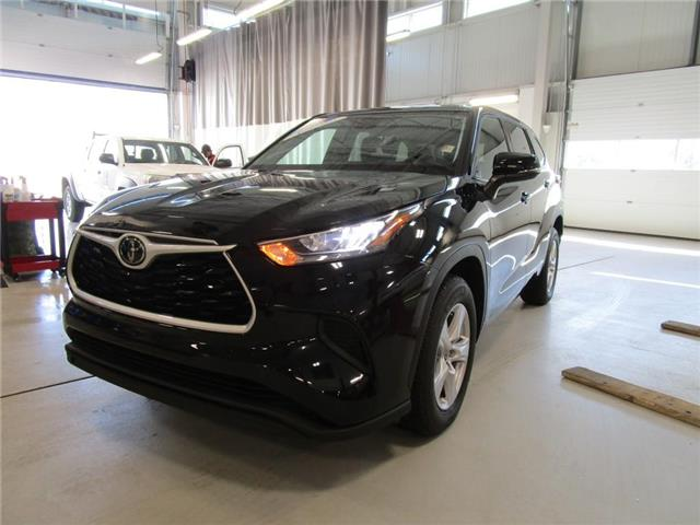 2020 Toyota Highlander LE (Stk: 209181) in Moose Jaw - Image 1 of 42