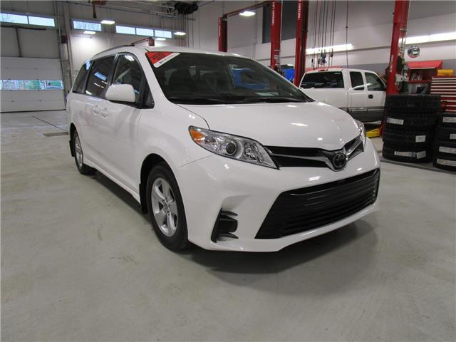 2020 Toyota Sienna LE 8-Passenger (Stk: 209210) in Moose Jaw - Image 1 of 34