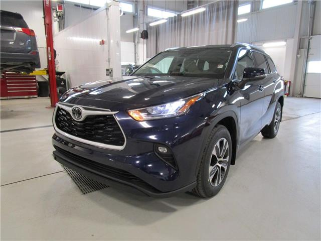 2020 Toyota Highlander XLE (Stk: 209246) in Moose Jaw - Image 1 of 31