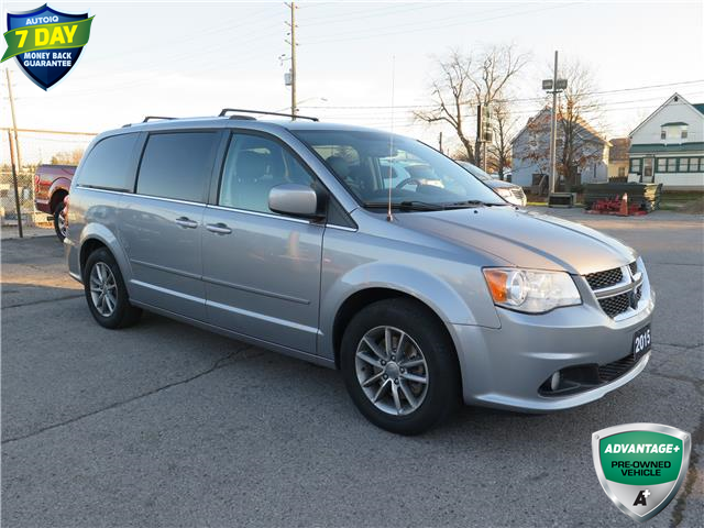 2015 Dodge Grand Caravan SE/SXT (Stk: 71040) in St. Thomas - Image 1 of 17
