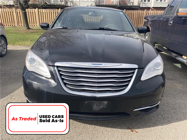 2014 Chrysler 200 LX LX (Stk: M1032A) in Hamilton - Image 1 of 6